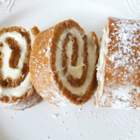 Easy Delicious Pumpkin Roll Dessert
