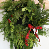 DIY Holiday Wreath Gift with Fiskars