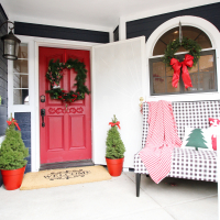 DIY Christmas Wreath and Front Porch