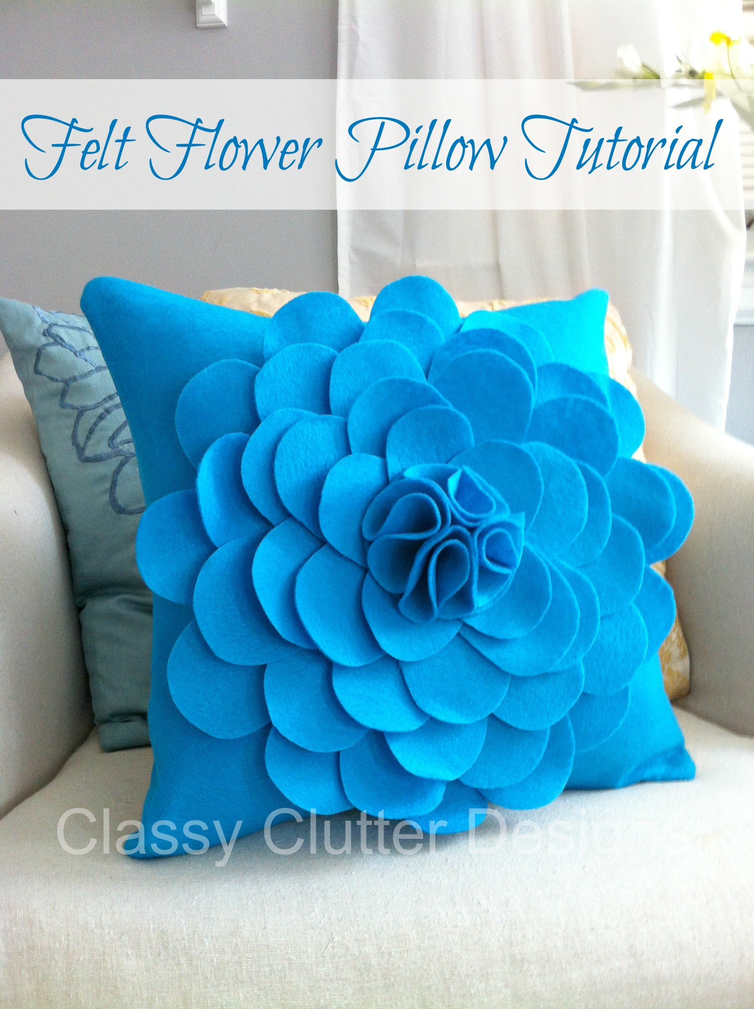 turquoise-felt-flower-pillow_pinterest.j