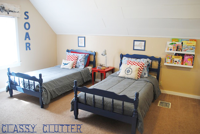 Little boys 39 airplane room makeover on a budget classy for Boys airplane bedroom ideas