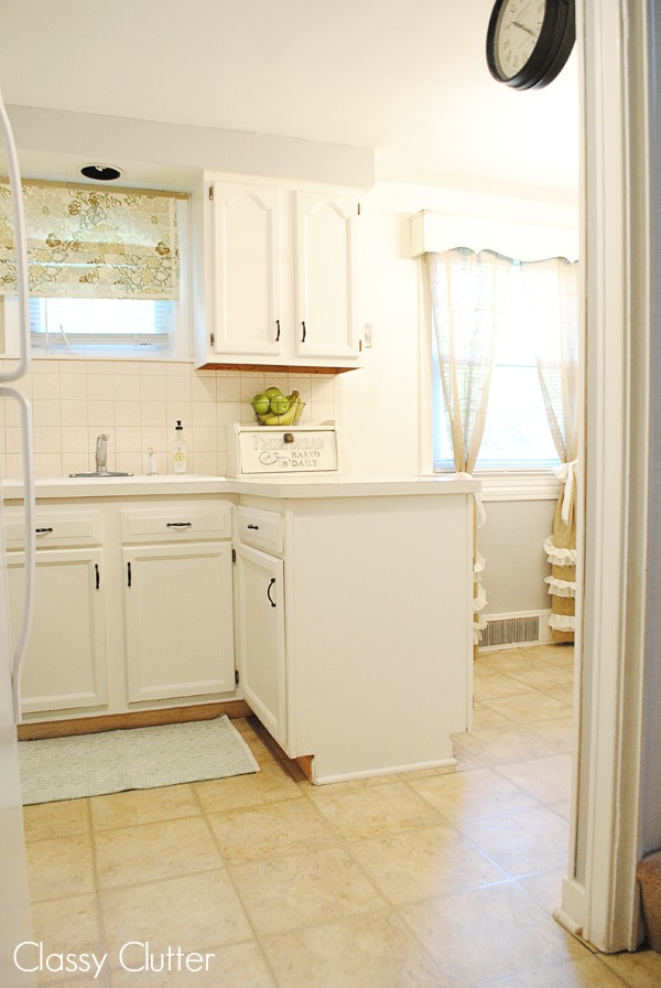 fresh looking cottage kitchen