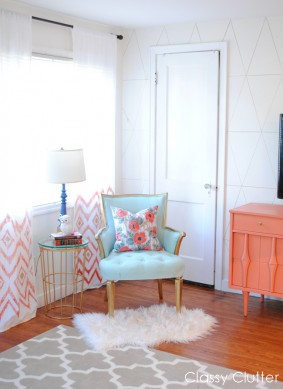 Pretty little Reading Nook aka My favorite spot in the house
