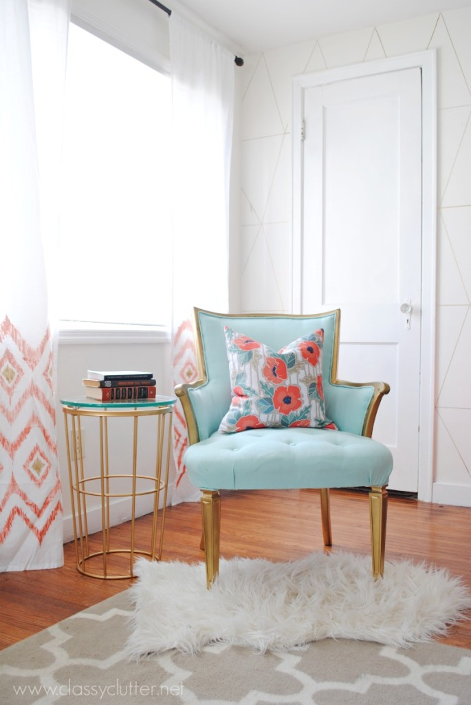 Mint Chair Corner