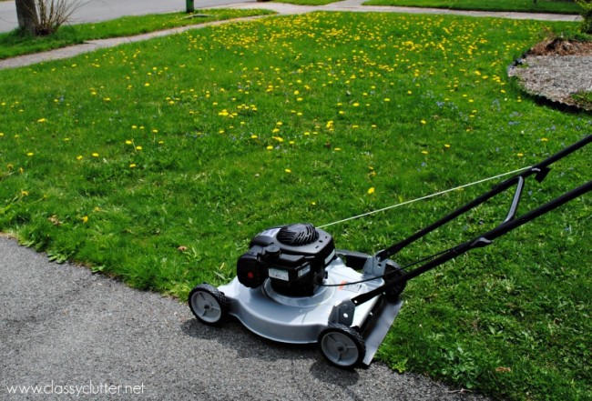 How to mow the lawn | www.classyclutter.net