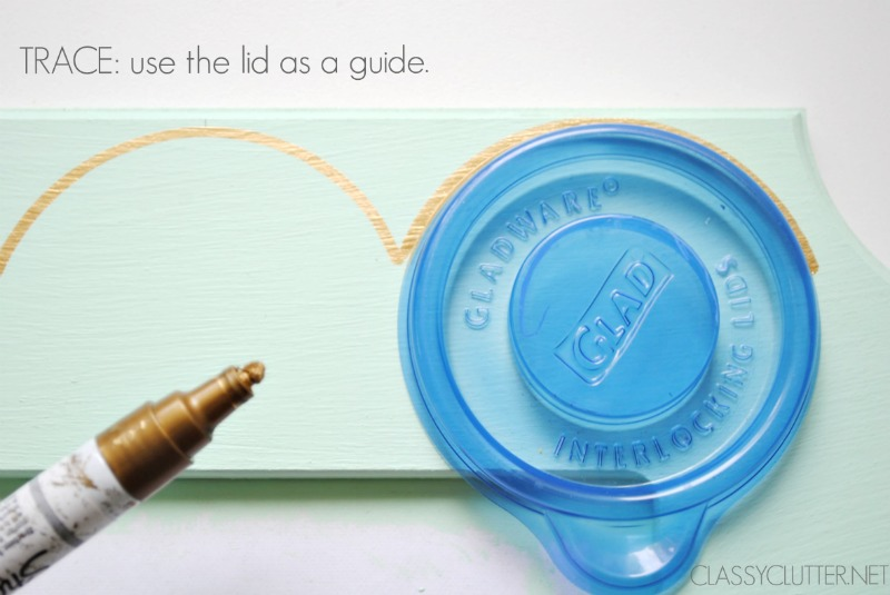 Trace around the lid
