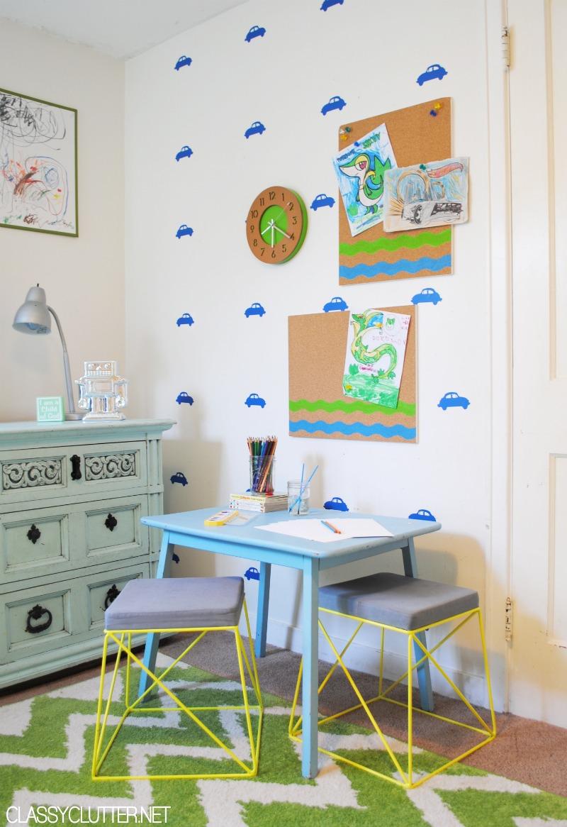 DIY Kids Art Station - www.classyclutter.net