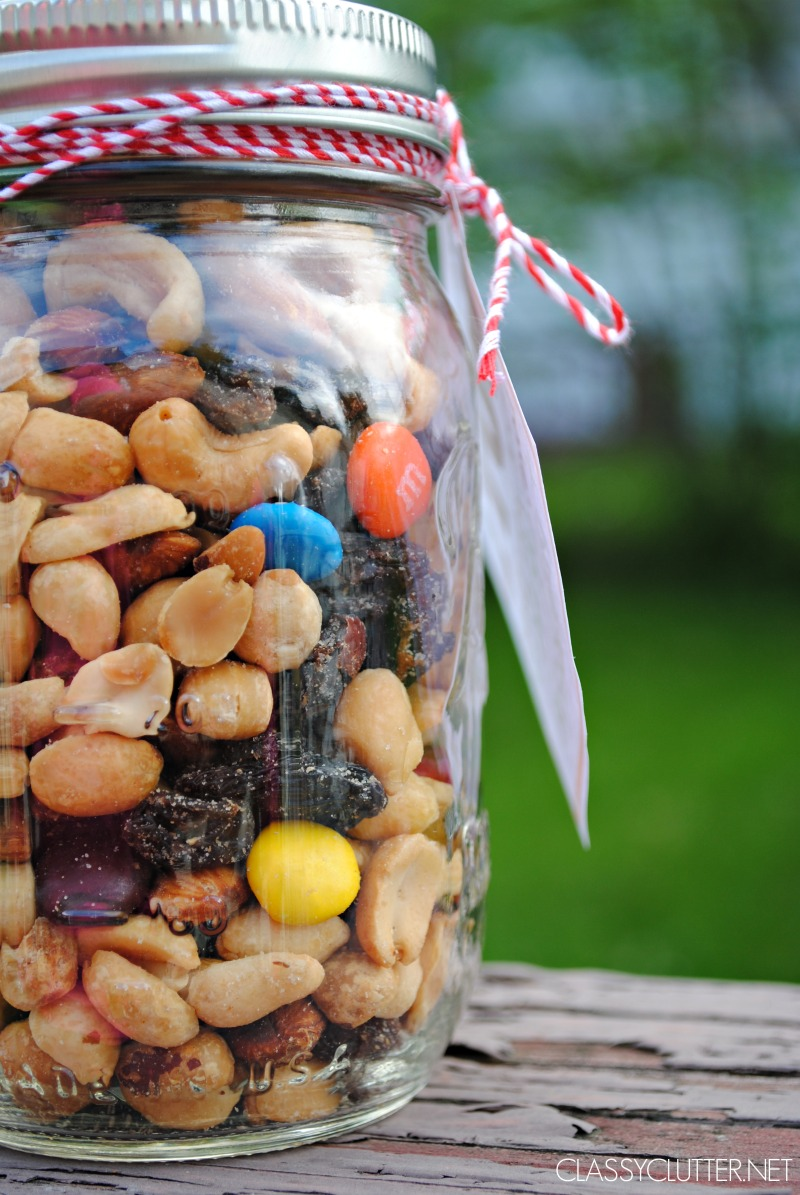 FILL JAR WITH NUTS