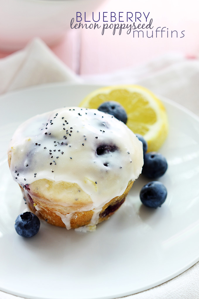 blueberry-lemon-poppyseed-muffins-1T