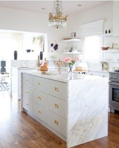 We are all  at this stunning white kitchen! Thehellip