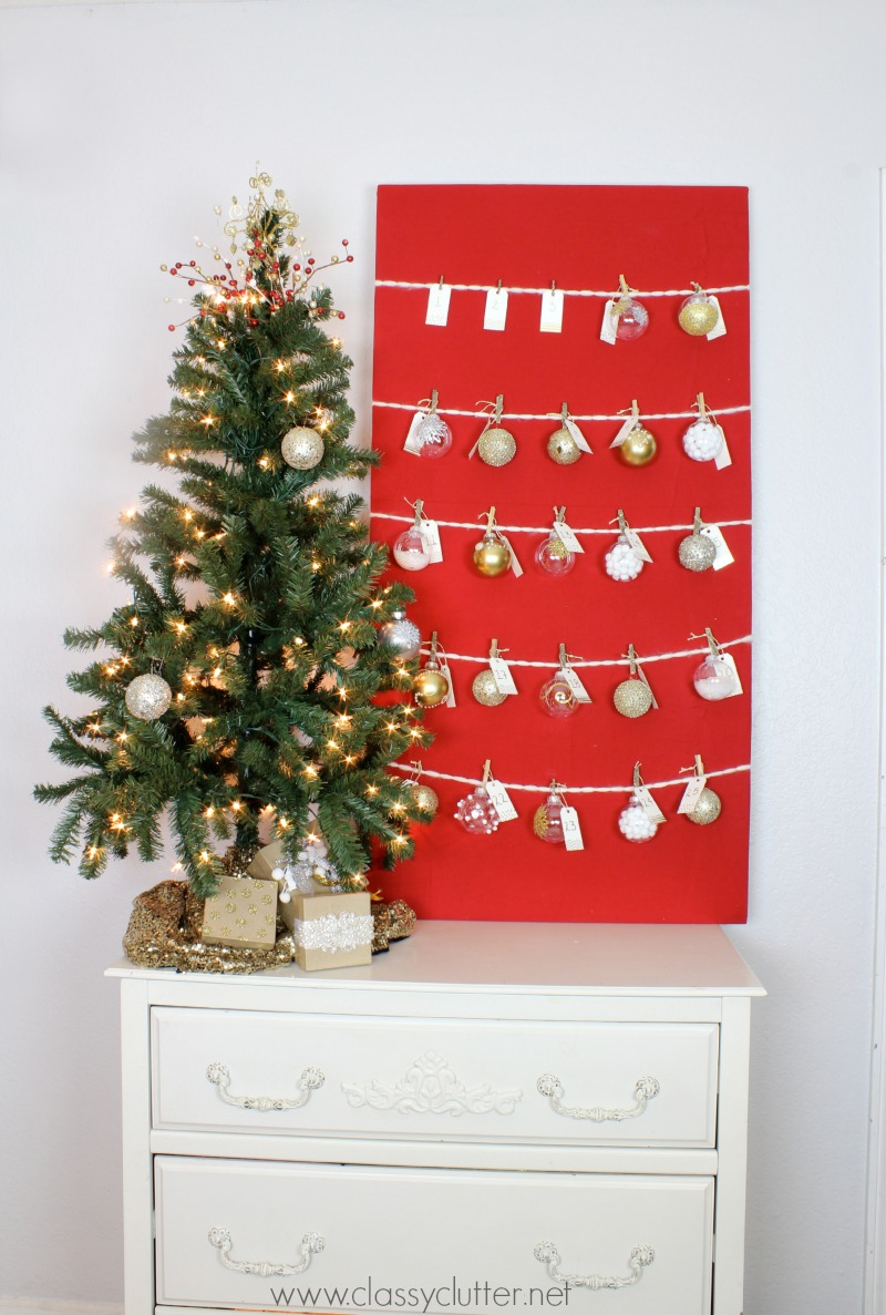 DIY Advent Calendar - Add ornaments on the Christmas Tree each day!