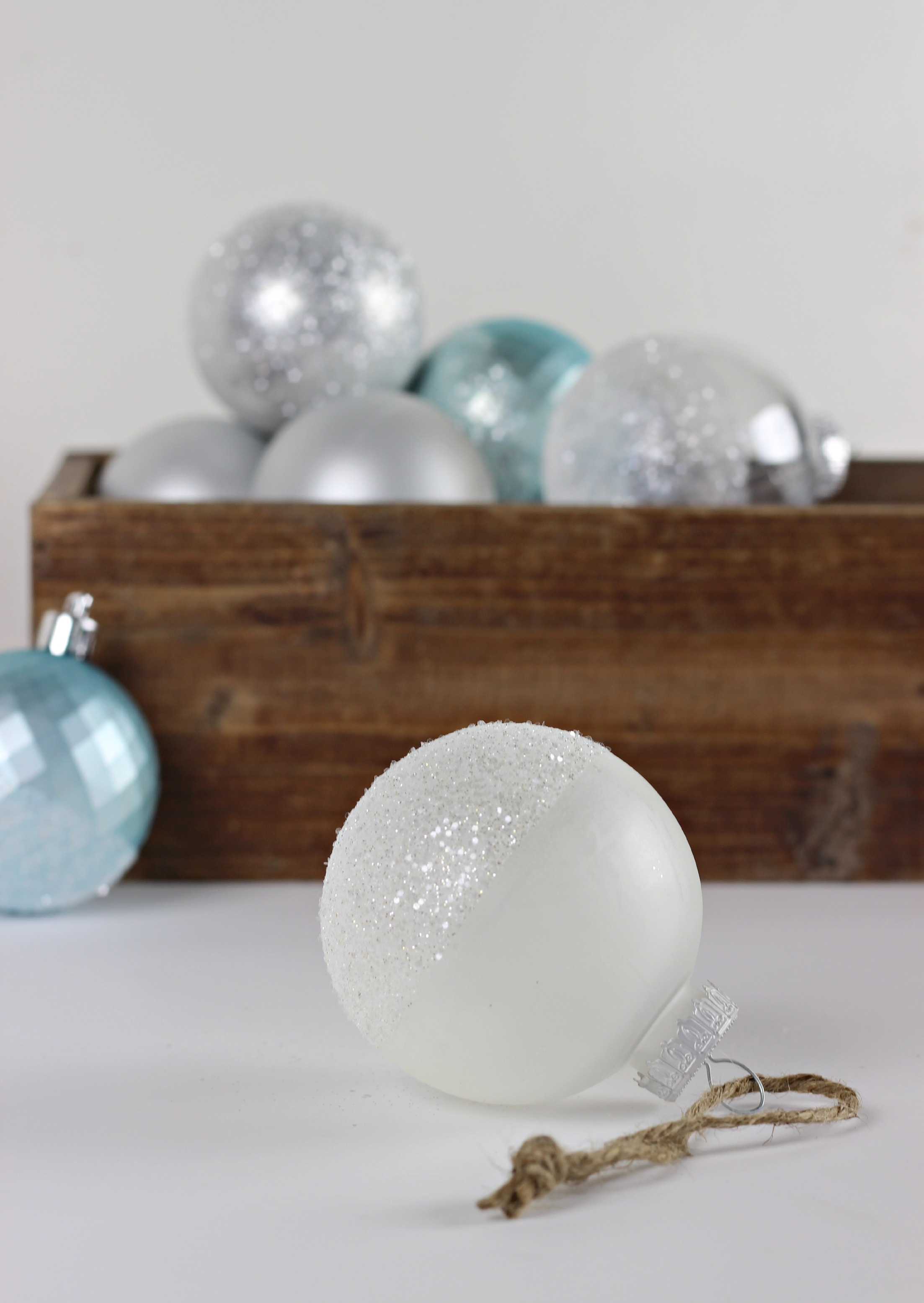 Glitter Dipped Ornaments_3