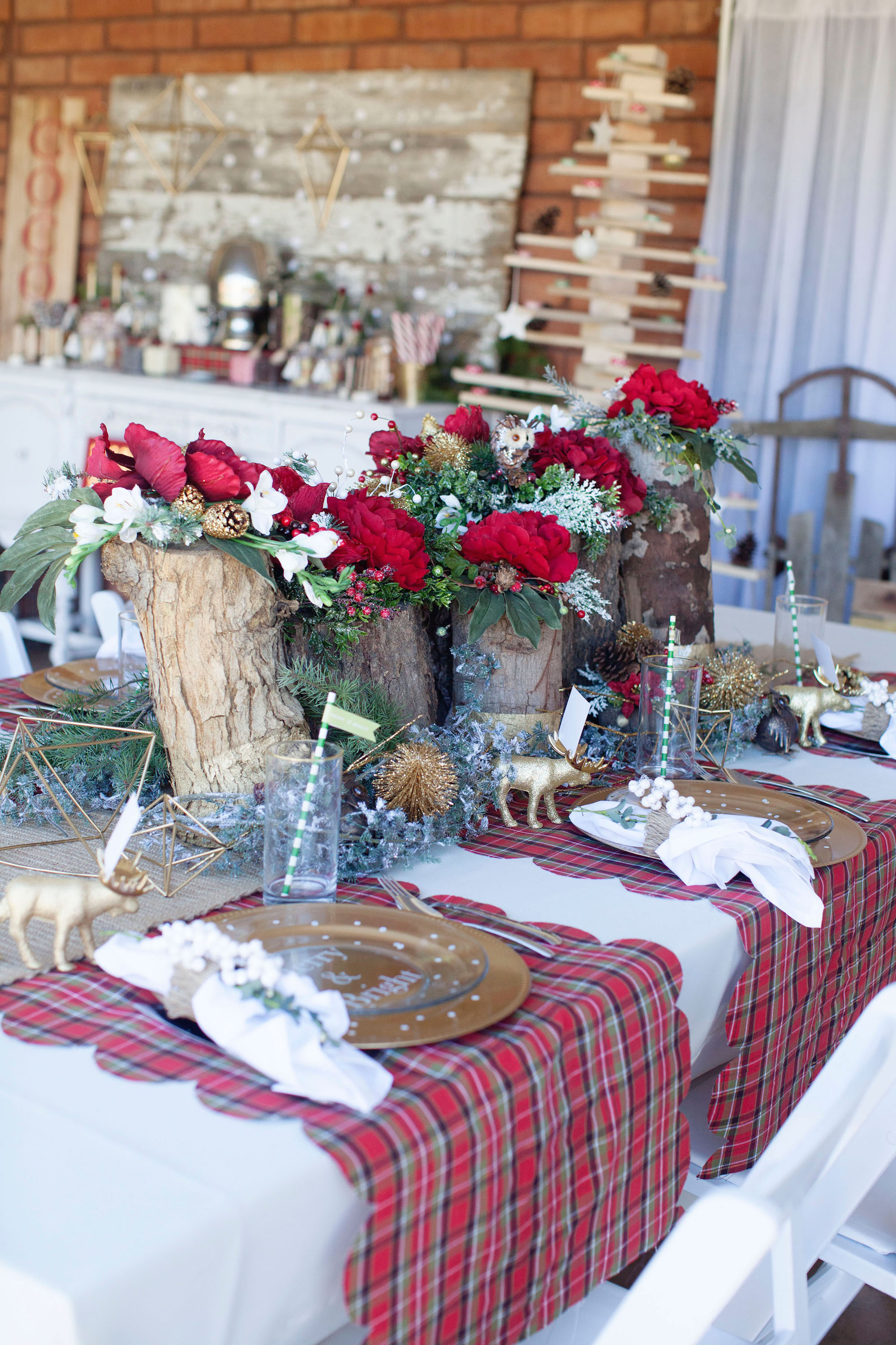 Easy Scalloped Christmas Table Runner Tutorial