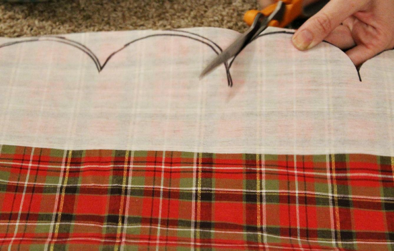 DIY Scalloped Christmas Table Runner Tutorial