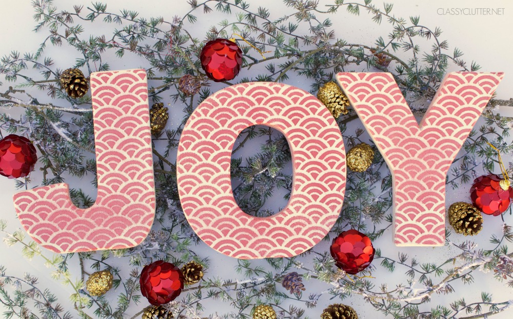 "DIY Christmas Decorations: Scalloped ""JOY"" Letters"