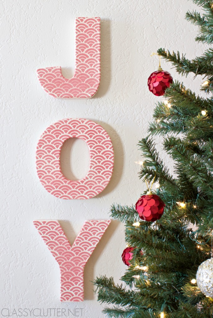 joy scallop letters wwwclassyclutternet - Christmas Letter Decorations