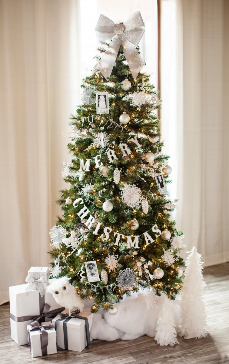 Silver Christmas Tree Decoration Ideas