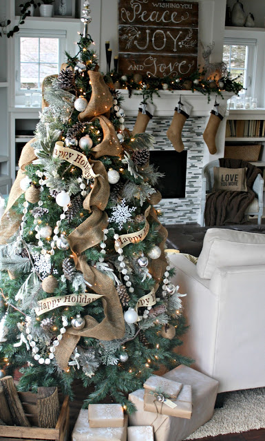 Burlap Christmas Tree Decoration Ideas