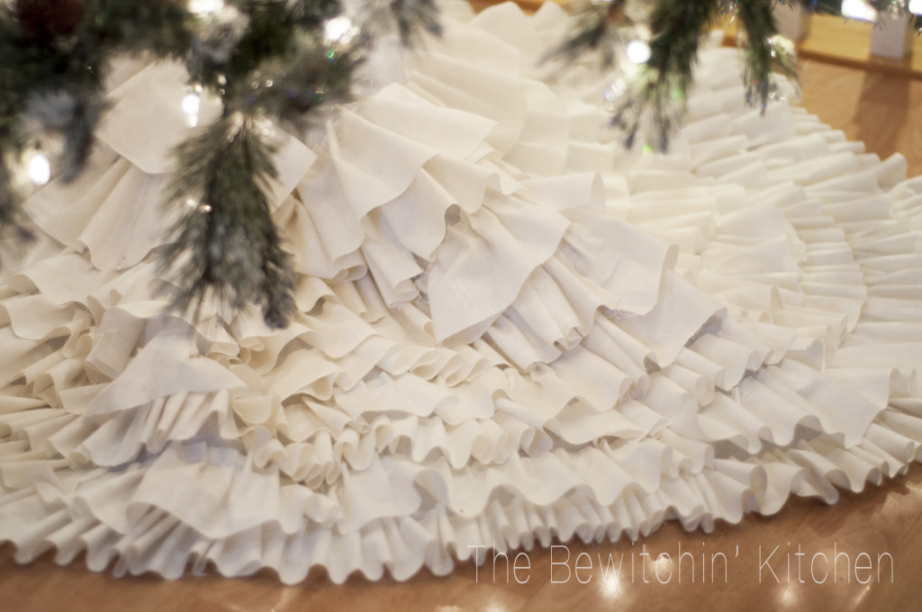 DIY-tree-skirt-1024x680