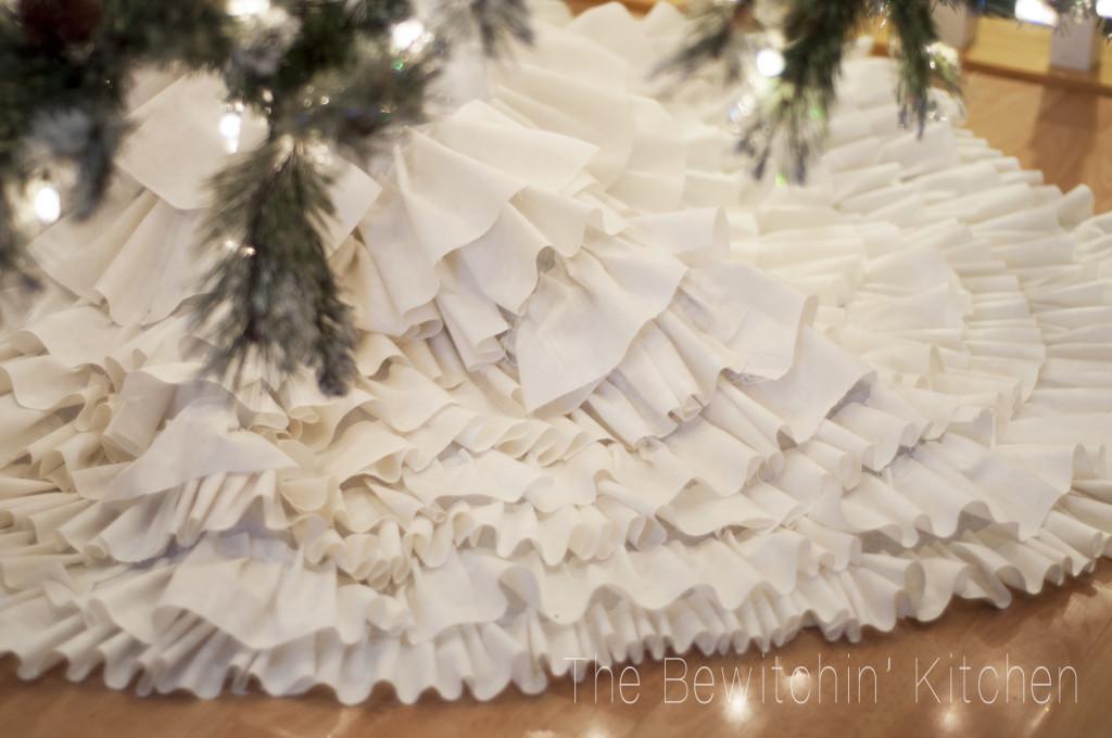 DIY-tree-skirt-1024x680