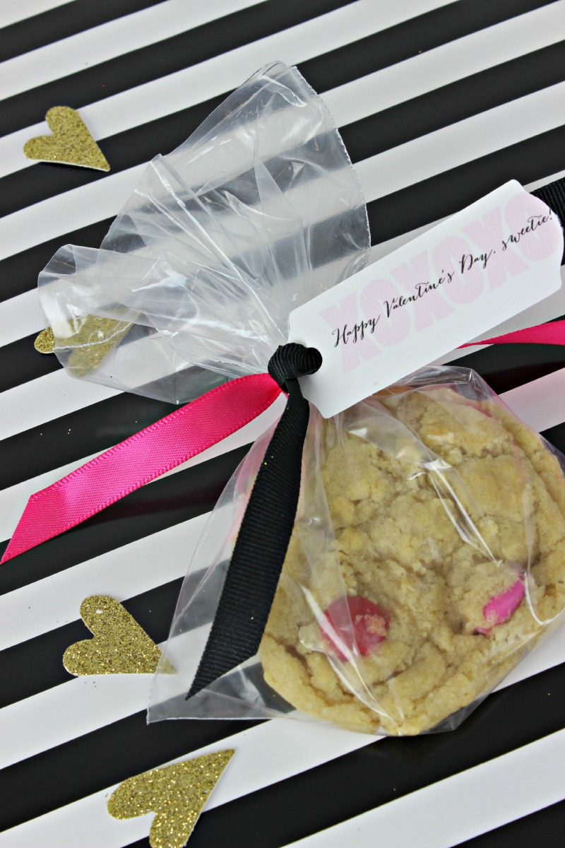 Cookie in a baggie for an easy Valentine