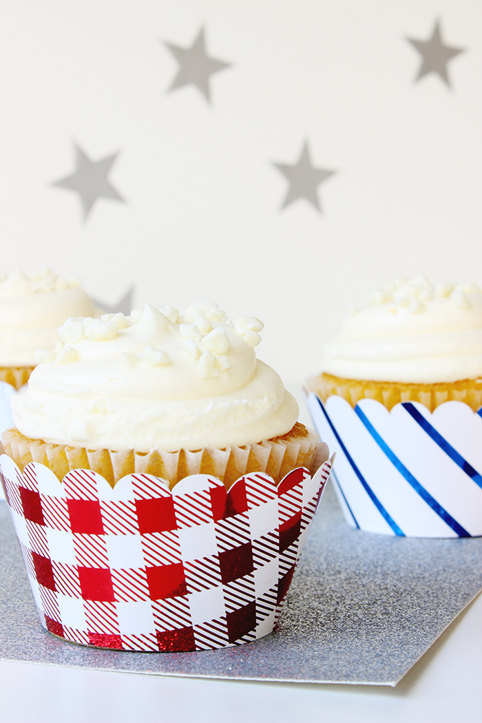 DIY Foiled Cupcake Wrappers 3