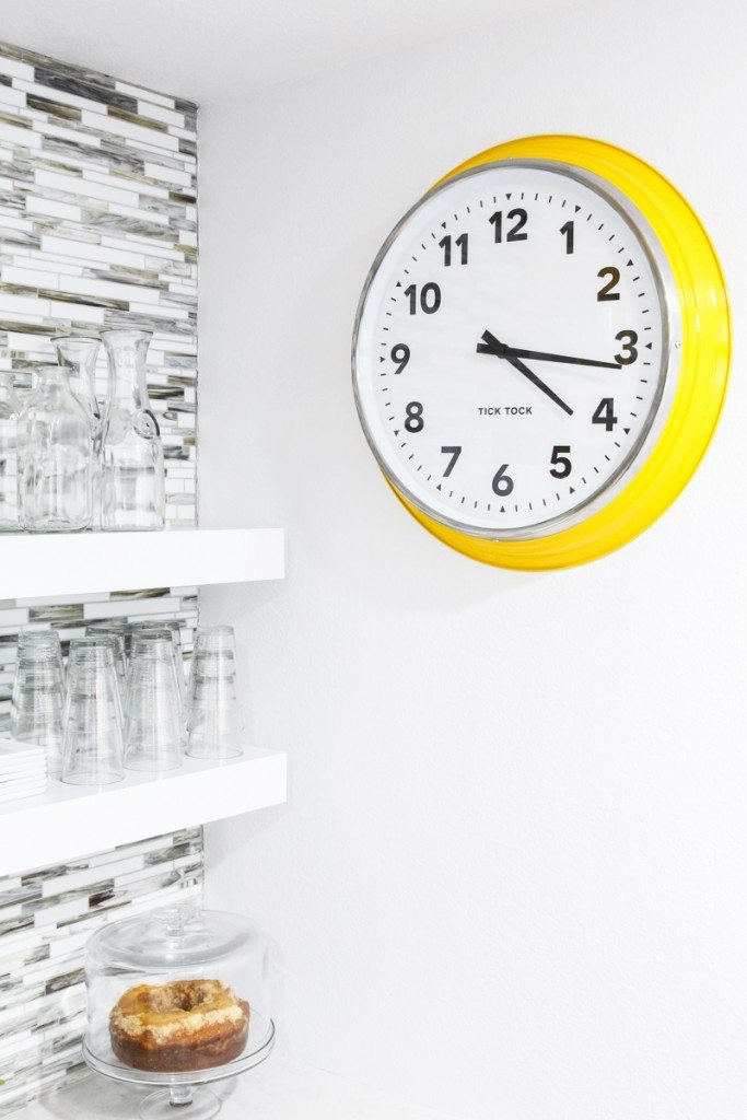 Love that open shelving and #IkeaHack clock!