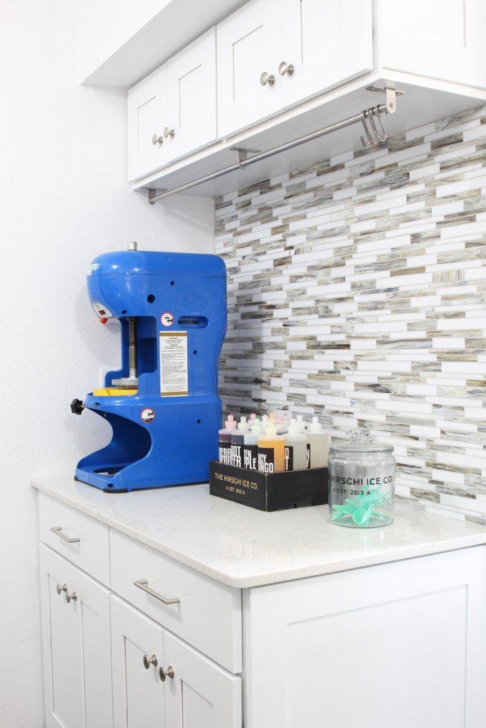 How cool is this laundry room with a shaved ice machine?!