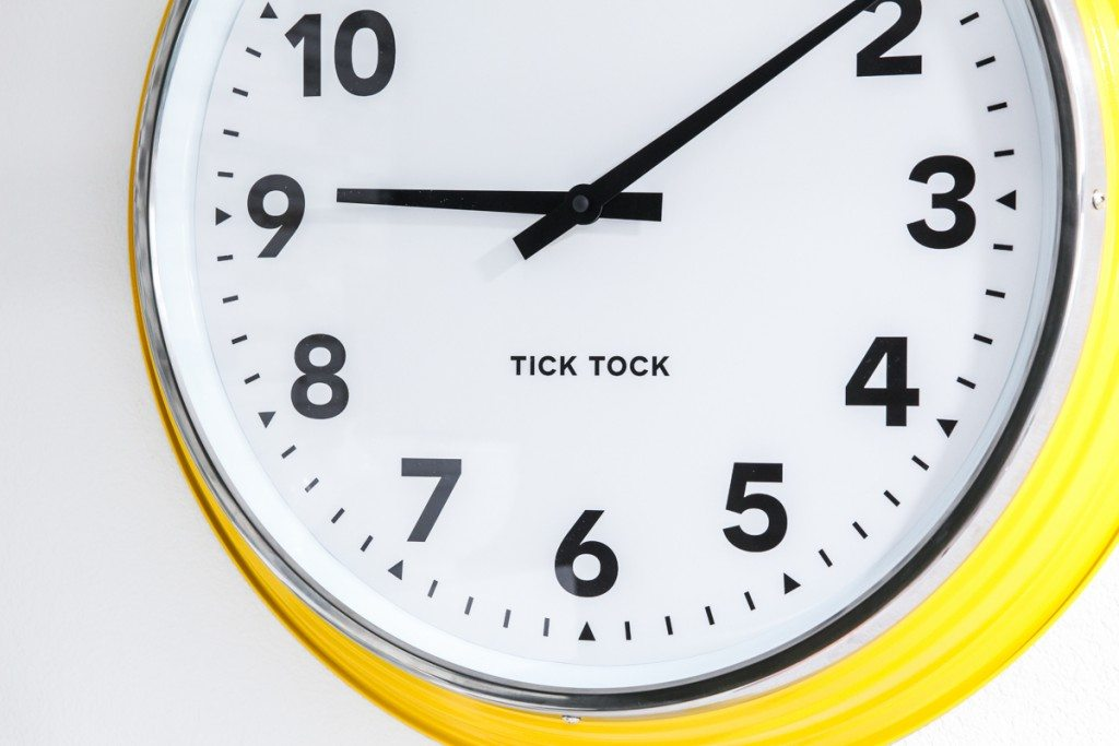 Horizontal-Clock-Closeup