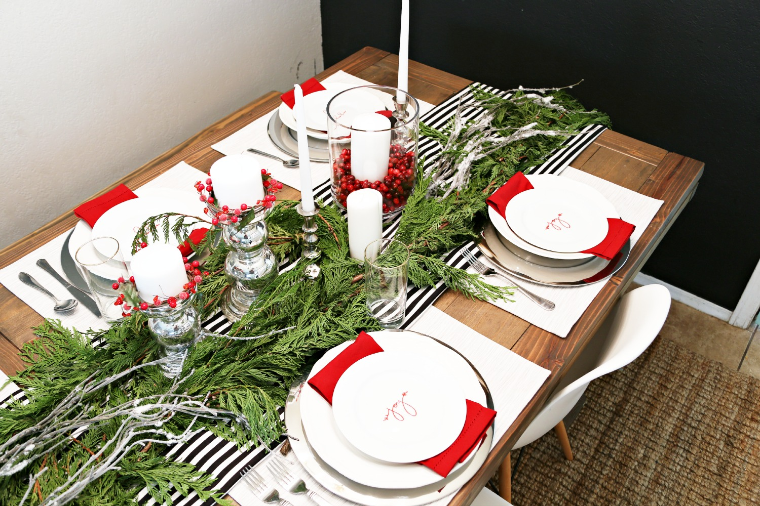 Festive Tablescape for a Holiday Dinner Party - Classy Clutter