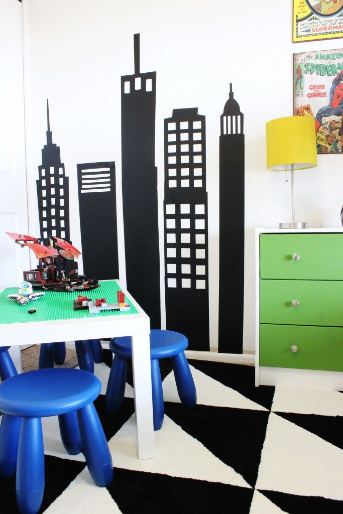 Love this cute, modern Superhero Room! Click for more!