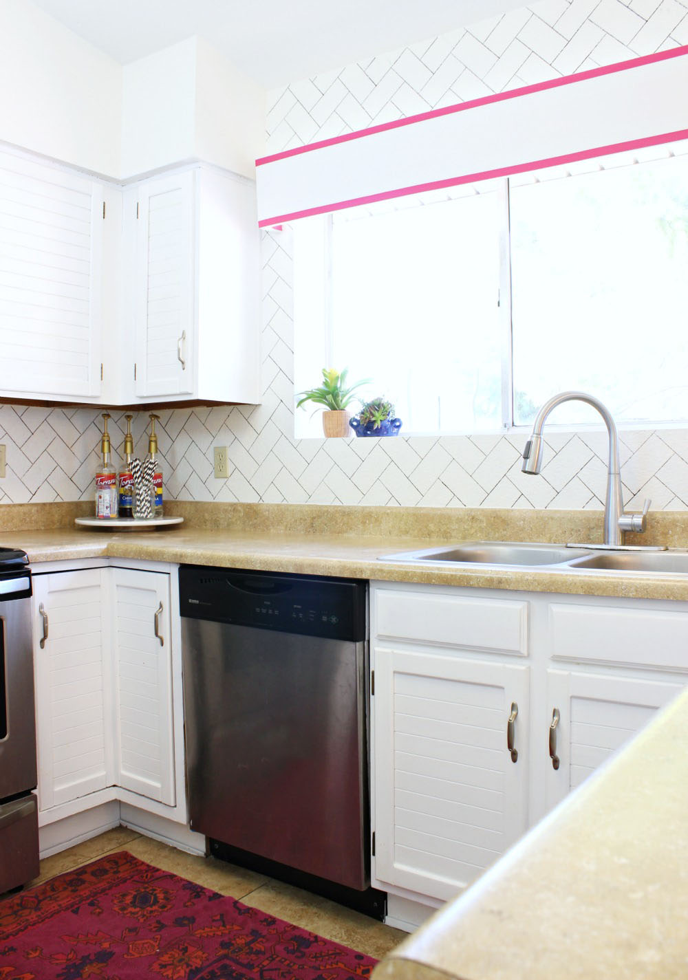 The best way to paint your cabinets classy clutter for Best way to paint kitchen cabinets video