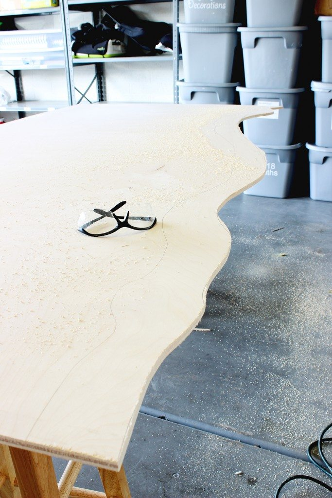 DIY Live Edge Headboard-Click for tutorial