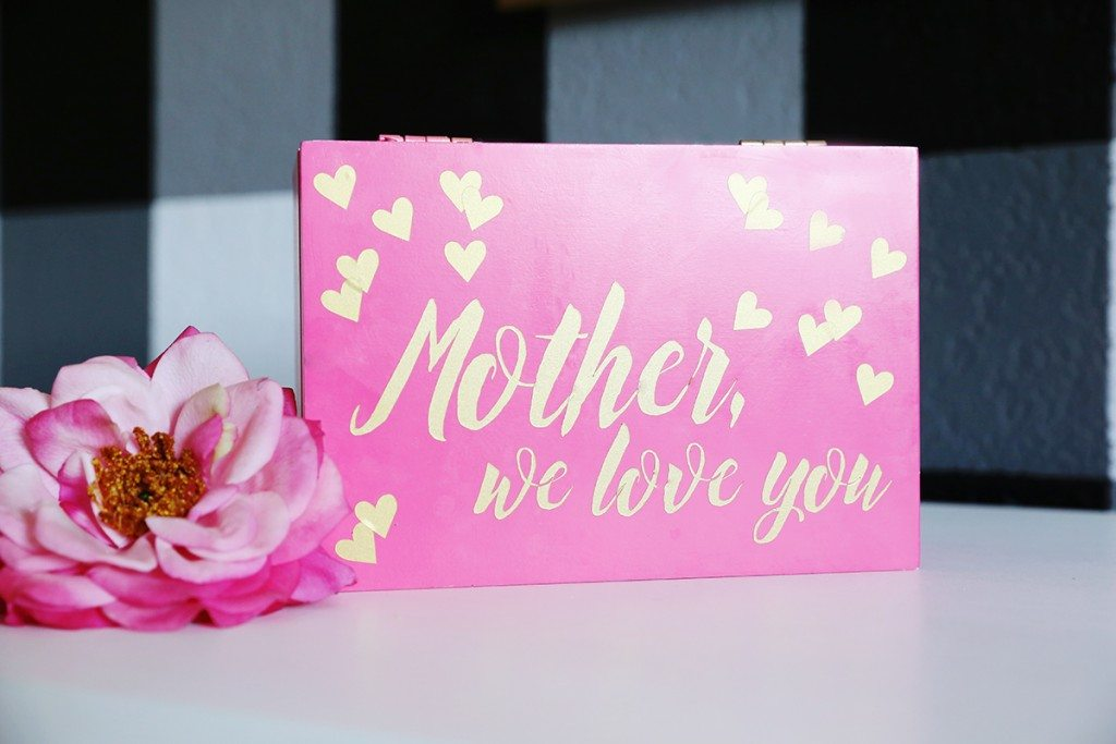 Mother's Day Letters in a Box - Click for futorial