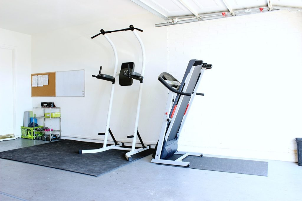 What a great home gym in the garage! They got everything on Amazon and had it delivered!