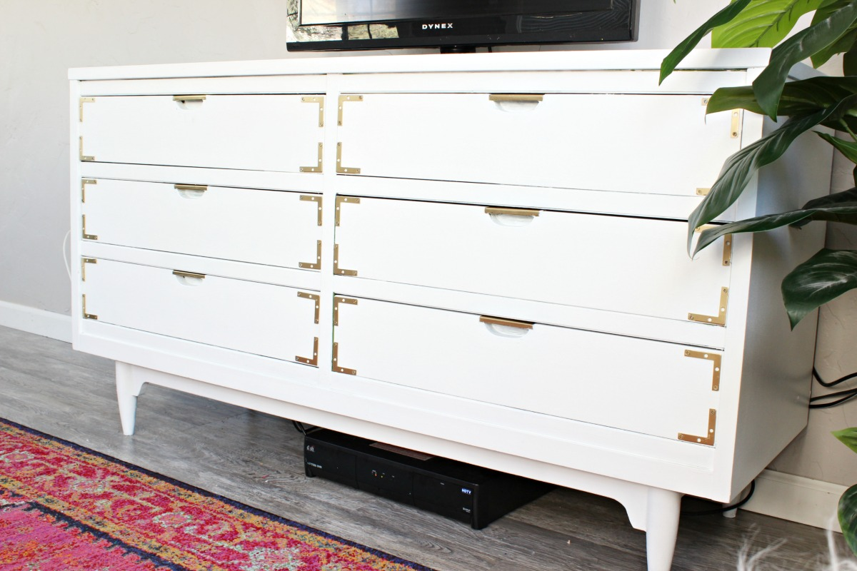 How to paint a dresser - Click for tutorial!