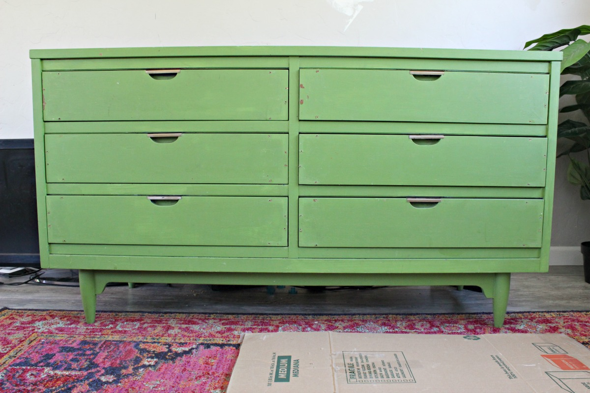 How to paint a dresser - before