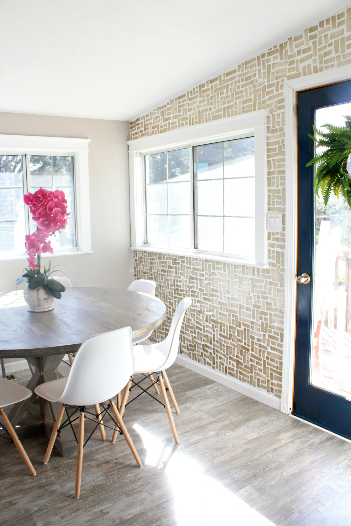 Prescott View Home Reno DIY Brush Stroke Wall Dining Room Makeover