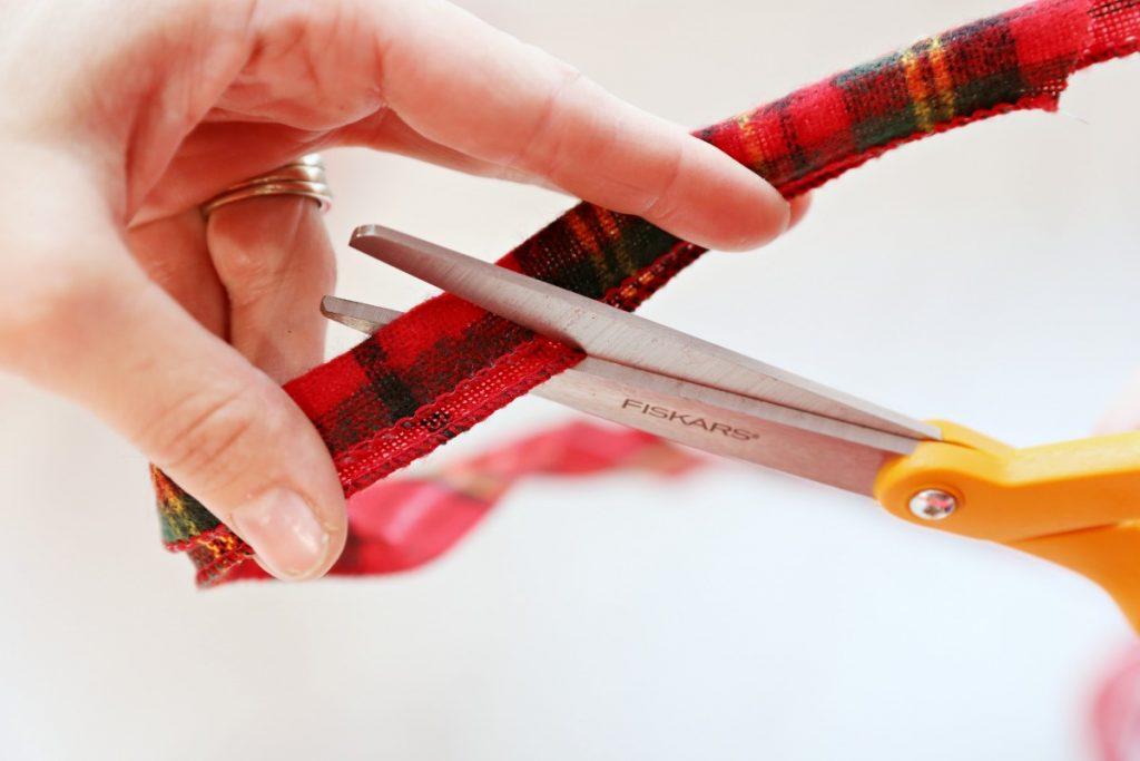 cut-ribbon-tails-at-an-angle