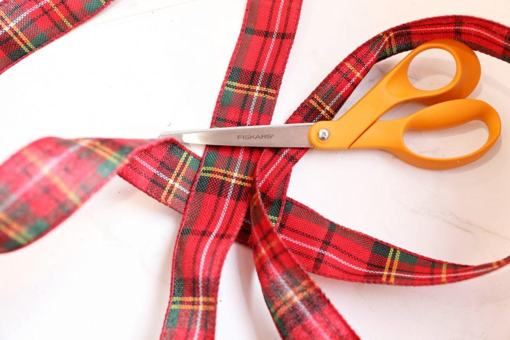cut-ribbon-to-make-a-bow