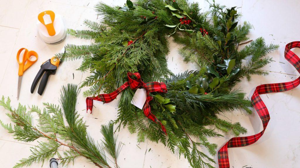 diy-fresh-christmas-wreath