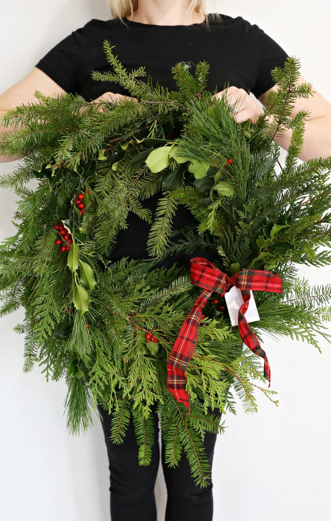 diy-fresh-christmas-wreath