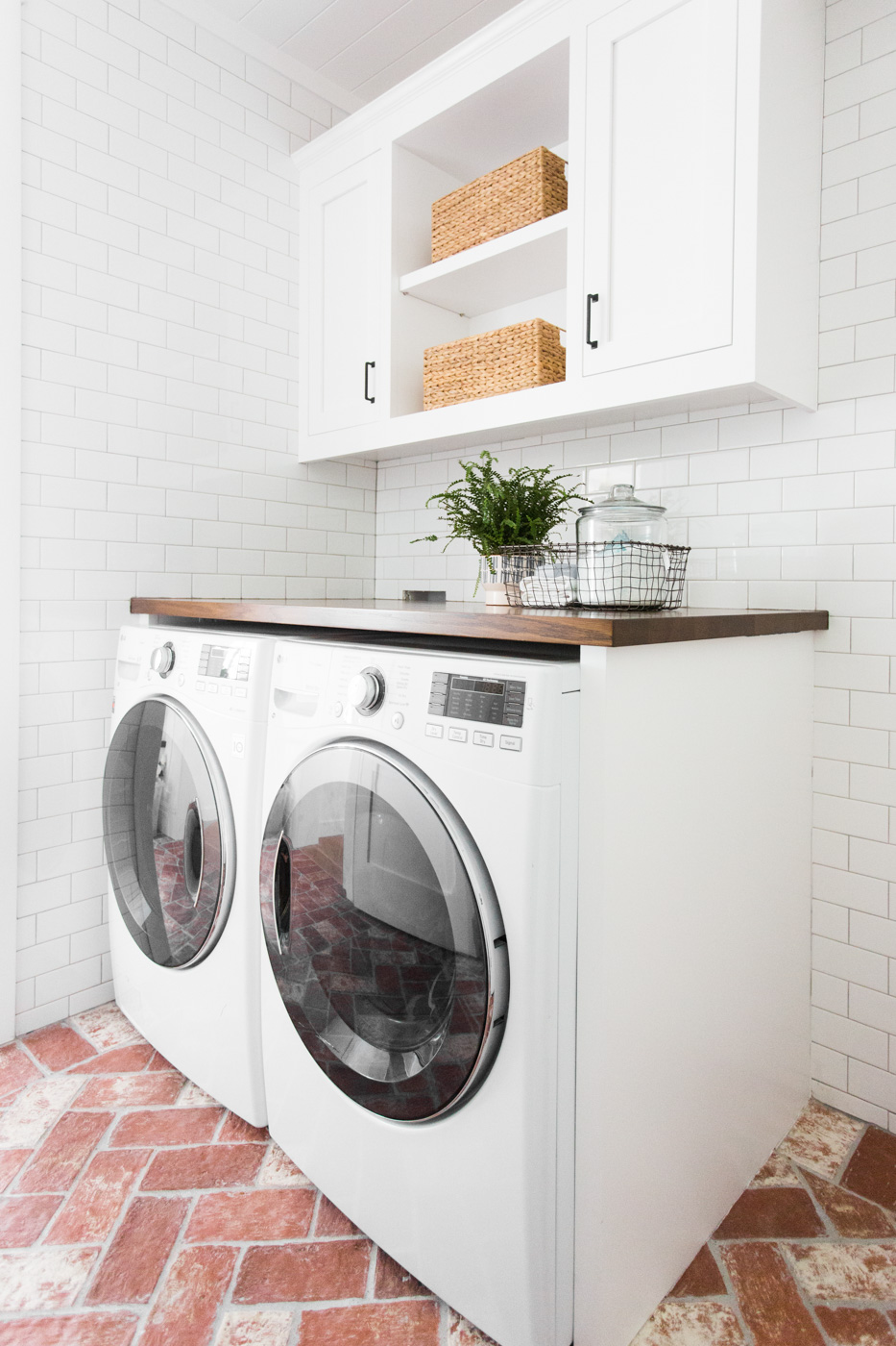 Brick Floor Laundry Room : Amazing laundry rooms classy clutter