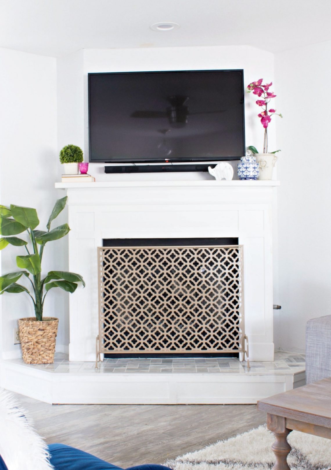 The Prescott View Home Reno continues with a fireplace remodel! See how we transformed it from a boring brick to a crisp