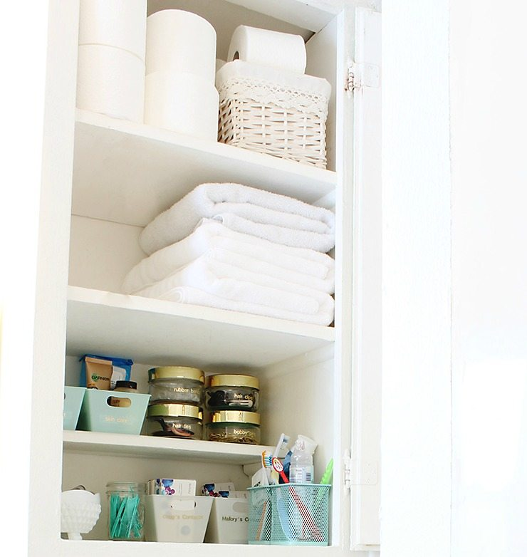 10 spring cleaning tips for your whole house classy clutter How to organize bathroom