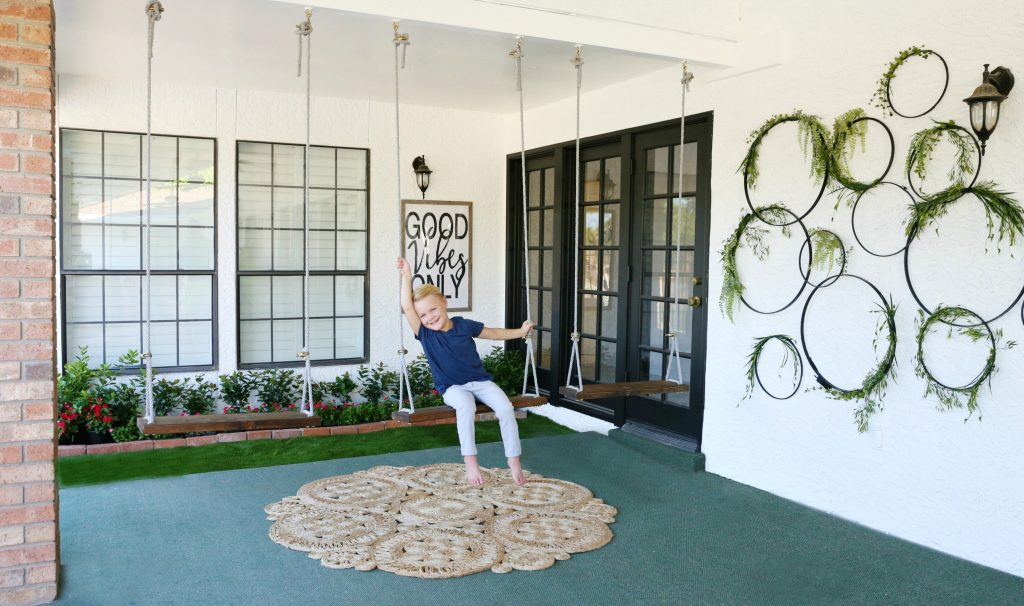 DIY Outdoor Swings- They are cheap and easy to do and is a one day project. What kid or Adult would not love these DIY Outdoor Swings