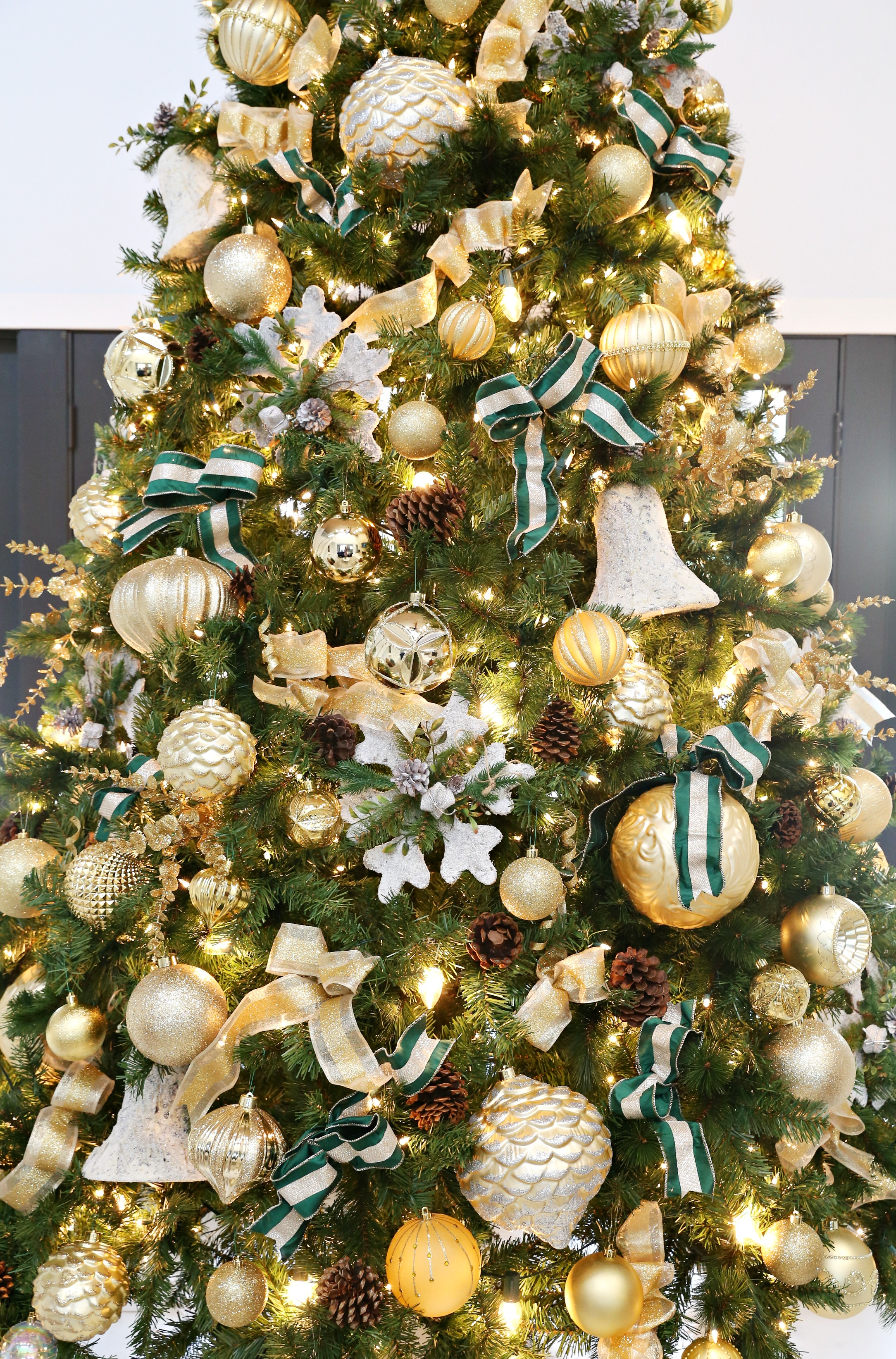 How to decorate a Christmas Tree with The Home Depot - Classy Clutter