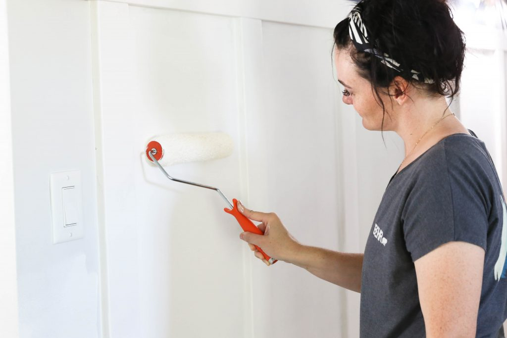 Choosing a paint color with Behr Paint- Hallway Makeover with Classy Clutter