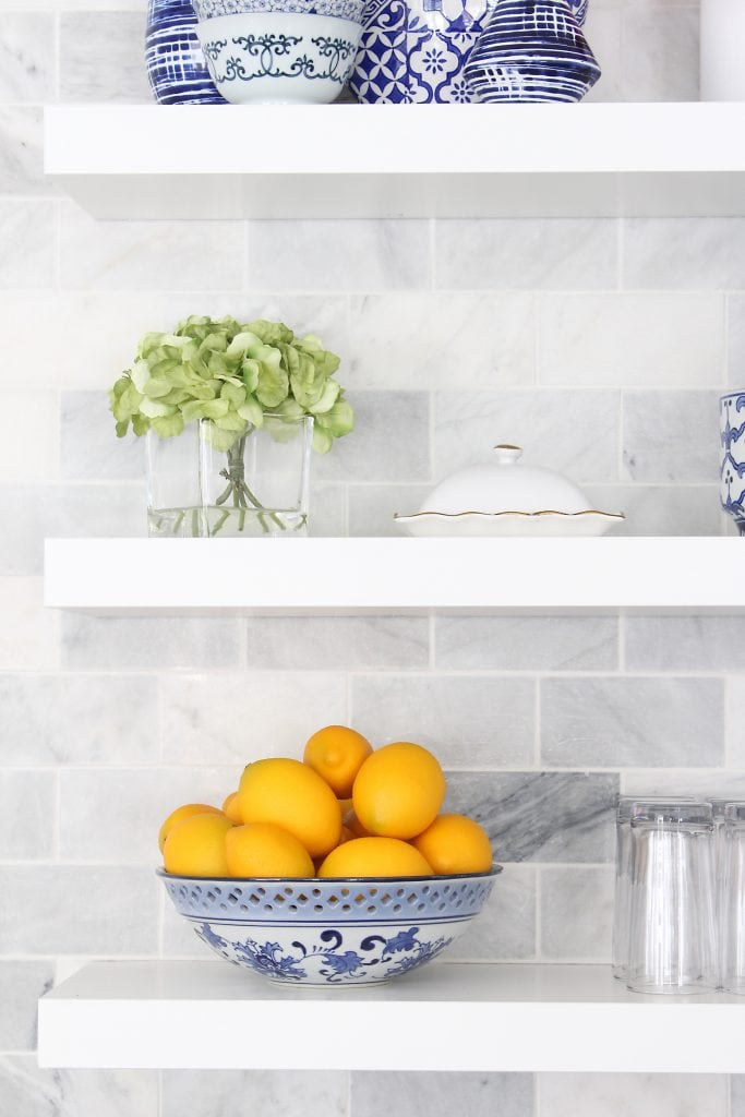 How to install floating shelves in the kitchen