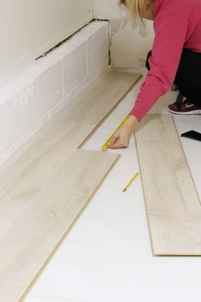 How to install laminate flooring - easy tutorial